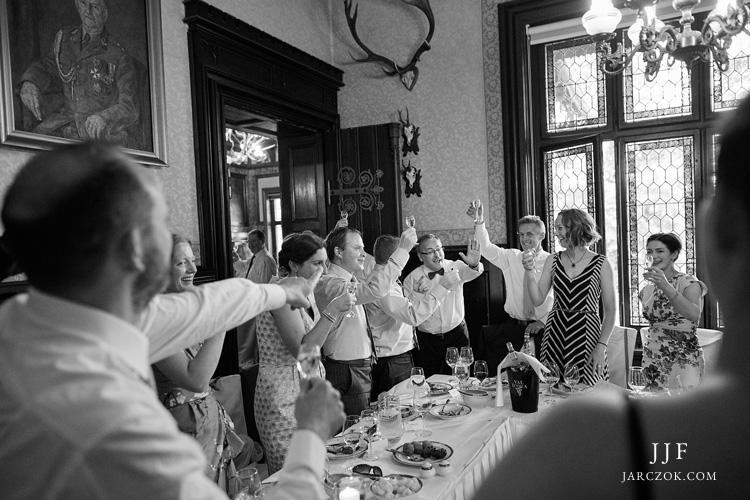 Zdjęcia z wesela w zameczku w Promnicach koło Tychów. Noma Residence podczas zabawy weselnej.