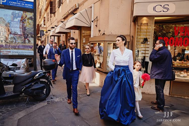 Zagraniczna sesja ślubna we Włoszech, a konkretnie w Rzymie. Ślub w polskiej ambasadzie.
