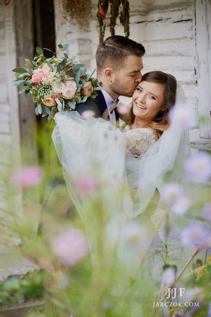 Piękna rustykalna sesja ślubna na Śląsku.