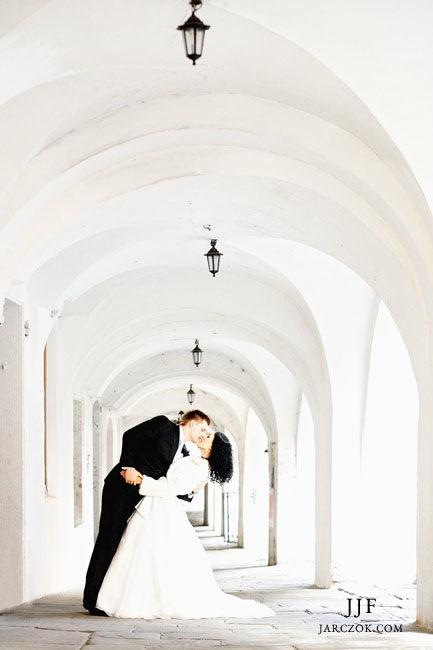 Jasne, pogodne, estetyczne zdjęcia ślubne.