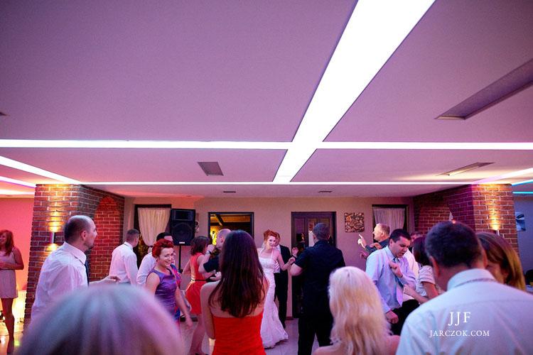 Zabawa weselna w restauracji Parkowa w Rudzie.