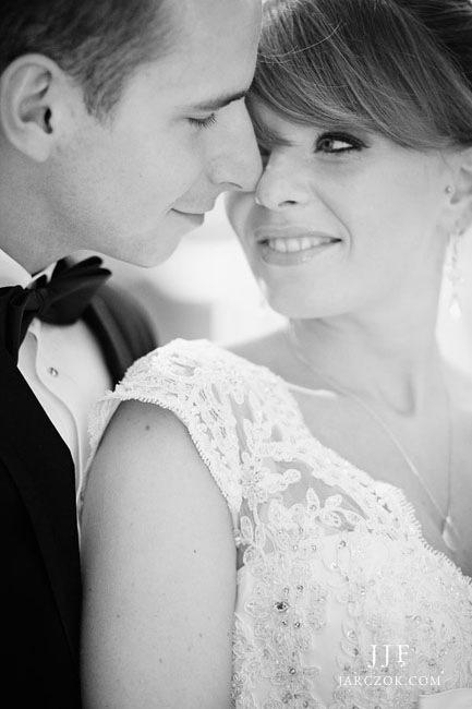 Piękne zdjęcie ślubne pary młodej.