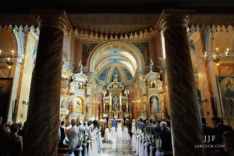 Ślub w kościele Św. Antoniego w Dąbrowie.