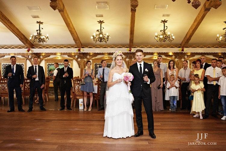 Przystań w Kabanosie Spytkowice podczas przyjęcia weselnego.