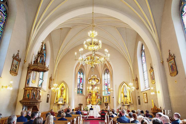 Krakowski kościół Najświętszego Serca Pana Jezusa na zdjęciach.