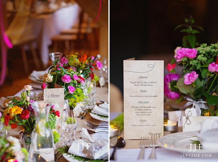Restauracja Ziębówka pięknie udekorowana na przyjęcie weselne.