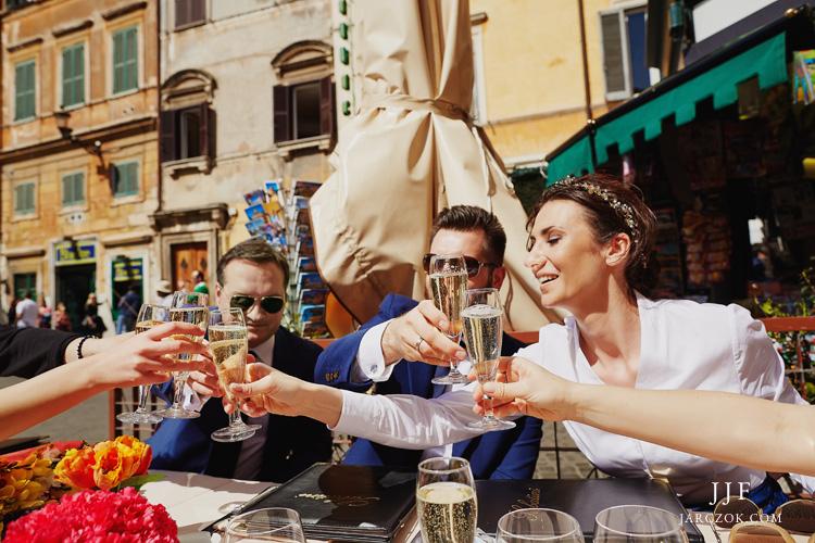 Ślub i przyjęcie weselne w Rzymie we Włoszech na fotografiach JJF.