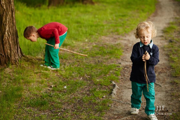 Naturalna, spontaniczna i nieustawiana sesja fotograficzna dzieciaków na Śląsku.