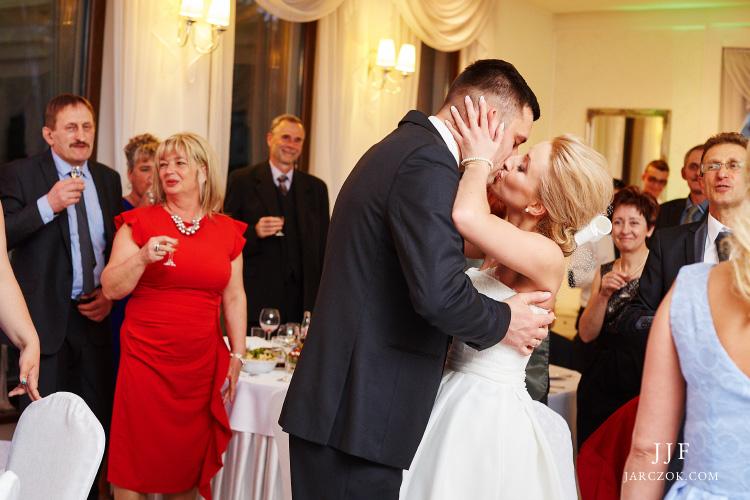 Zdjęcia ślubne z Dąbrowy - Villa Marina nad Pogorią.