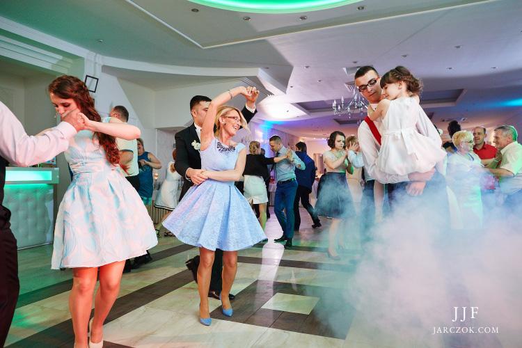 Zdjęcia z zabawy weselnej w Villa Marina w Dąbrowie.