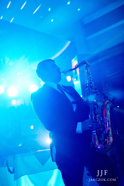 Saksofonista na wesele.