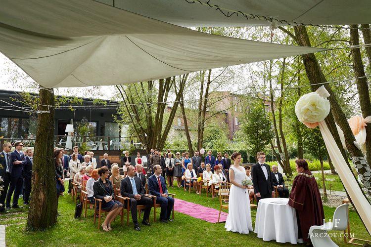Ślub cywilny w plenerze na Śląsku.