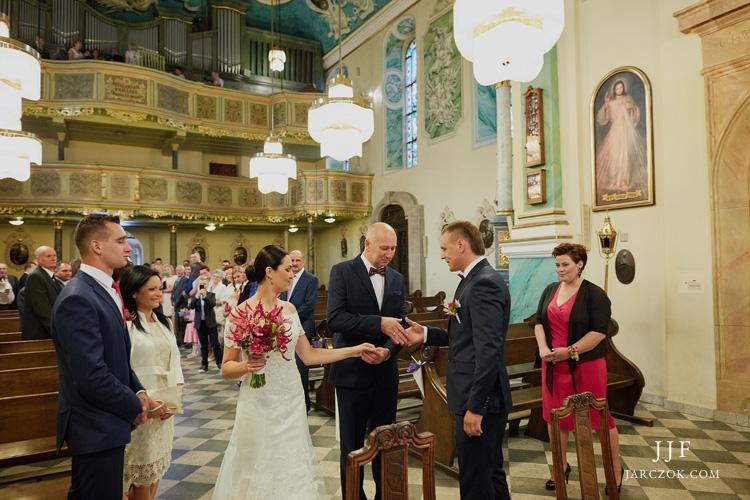 Parafia Wszystkich Świętych w Pszczynie - ślub w kościele.