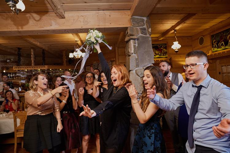 Zdjęcia z wesela w karczmie restauracji pensjonacie Zakopiański Dwór.