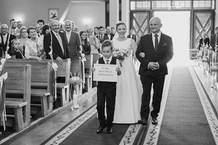 Zabawne momenty na ślubach.