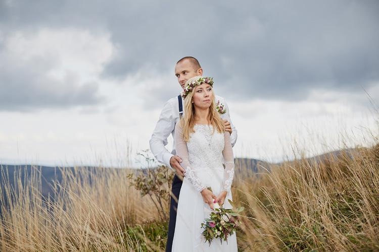 Fotografia ślubna w stylu rustykalnym.