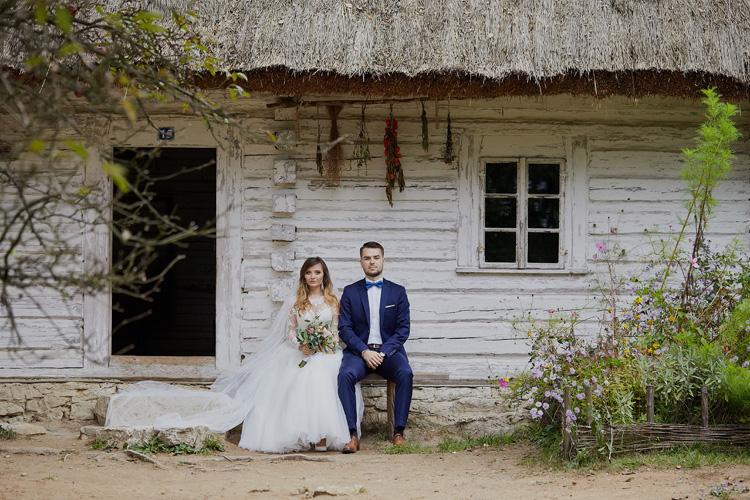 Sesja ślubna w skansenie na Śląsku.
